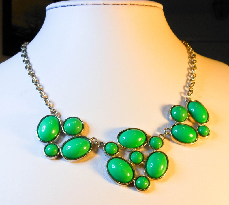 Green Bib Necklace   17 Inch   Also 3 Inch Extension   17-20 Inch