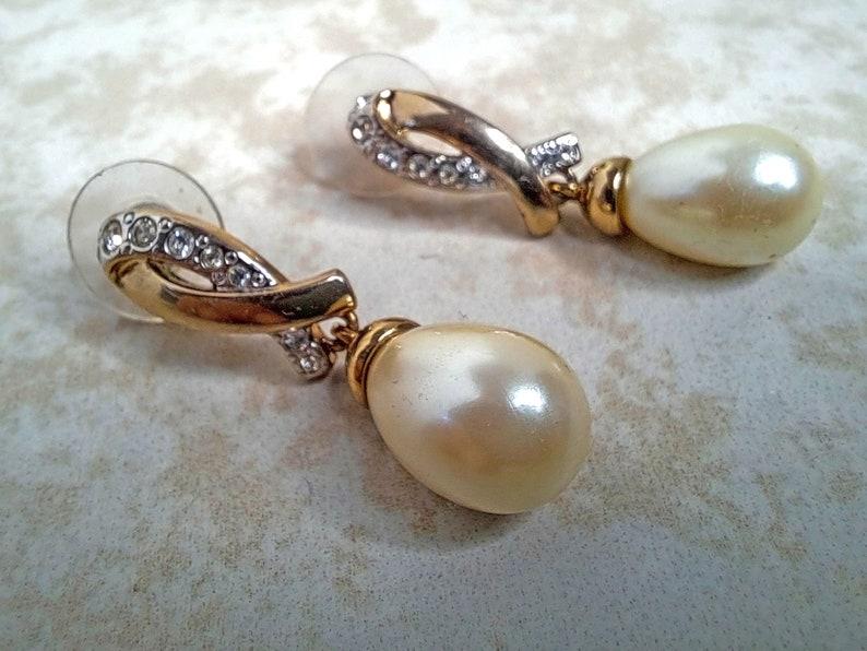 For Pierced Ears Vintage Gold Tone Faux Diamond /& Pearl Dangle  Earrings