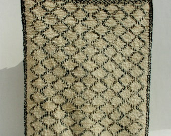 Moroccan Rug by Gypsya - Criss Cross with Border in 5x7