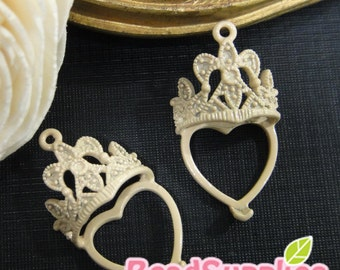 CH-ME-10118D-  Color enameled, Crown & heart, beige, 4 pcs