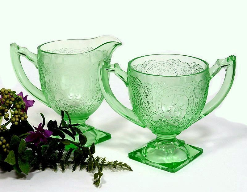 Indiana,Glass,Green,Depression,footed,Creamer,and,Sugar,Bowl,Horseshoe,Pattern,indiana glass, green depression glass, glass creamer and sugar, horseshoe pattern creamer