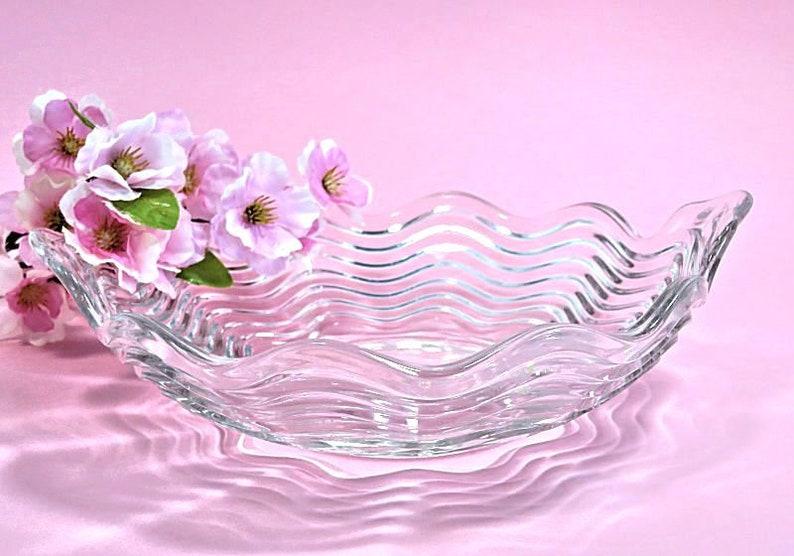 Elegant Glass Wave Bowl Lug Handles