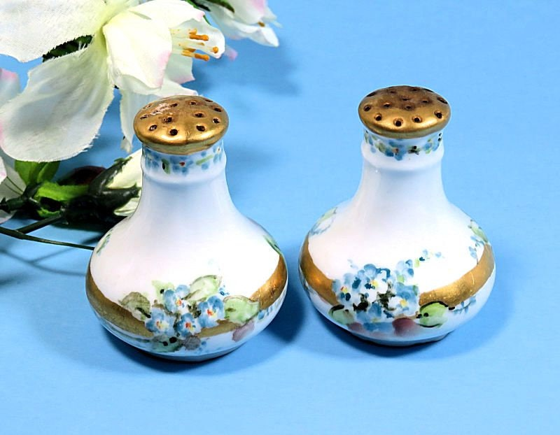 Pair,of,Small,Antique,Hand,Painted,Salt,and,Pepper,Shakers,Forget-Me-Nots,antique hand painted salt and pepper, hand painted salt and pepper shakers, forget me not salt and pepper shakers