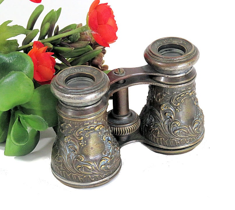 Antique,Lavelle,Paris,Opera,Glasses,Repousse,Scroll,and,Leaf,lavelle paris opera glasses, antique opera glasses