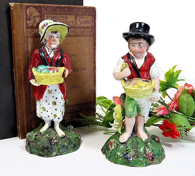 A,Pair,of,Early,19th,Century,Pearlware,Staffordshire,Street,Vendor,Figurines,antique staffordshire figurines, antique pearlware figures, street sellers figurines