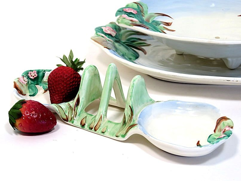 Clarice,Cliff,Newport,Pottery,Water,Lily,Toast,Rack,with,Jam,Dishes,clarice cliff toast rack, clarice cliff waterlily, waterllily toast rack, clarice cliff lily pond