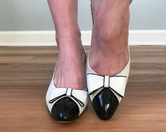 Vintage 80s Black + White Bow Pumps
