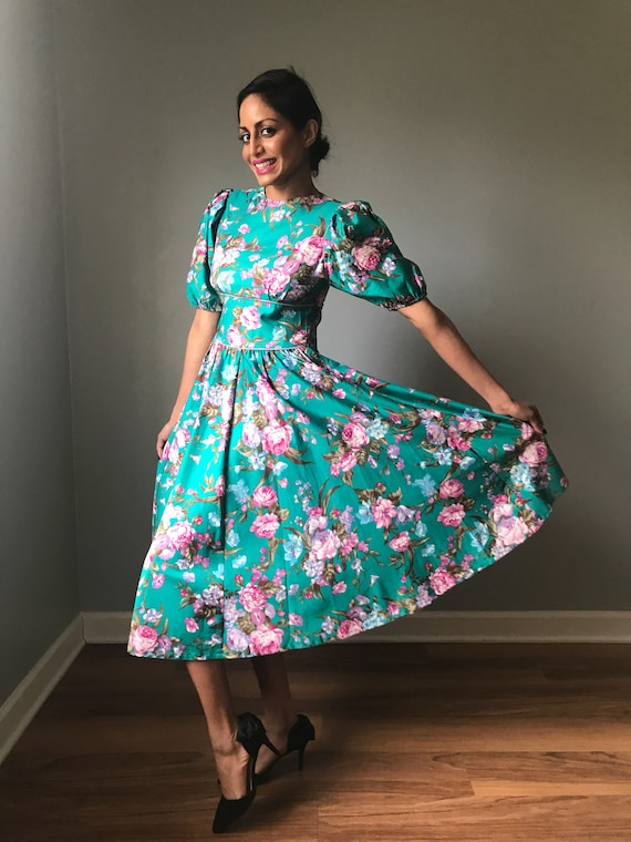 Vintage 80s Does 50s Floral Fit & Flare Dress