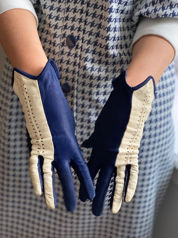 Vintage 50s Navy + White Leather Driving Gloves - image 2
