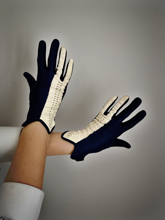 Vintage 50s Navy + White Leather Driving Gloves - image 1