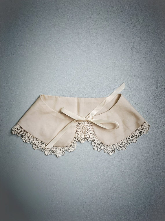 Vintage Peter Pan Collar