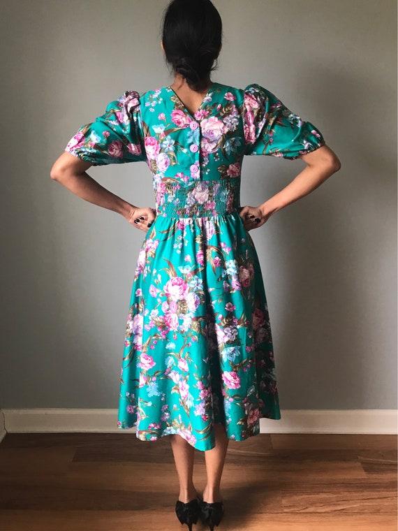 Vintage 80s Does 50s Floral Fit & Flare Dress - image 8