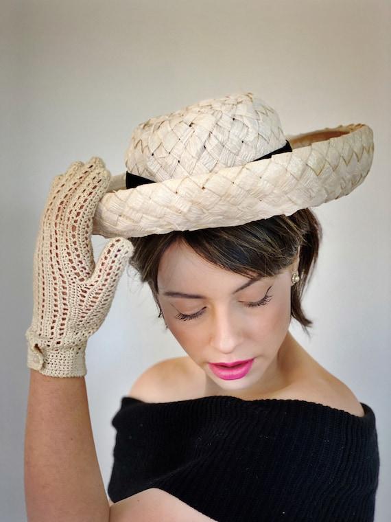 Vintage Ivory Straw Breton Hat