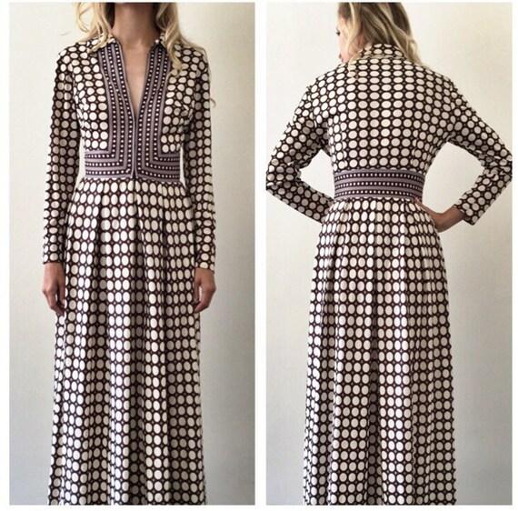 Vintage Op Art V Neck Dress