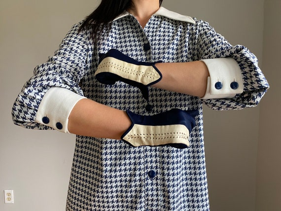 Vintage 50s Navy + White Leather Driving Gloves - image 6