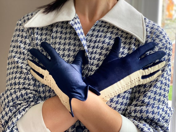 Vintage 50s Navy + White Leather Driving Gloves - image 4