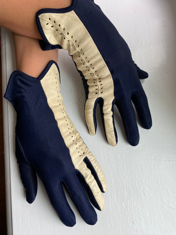 Vintage 50s Navy + White Leather Driving Gloves - image 9