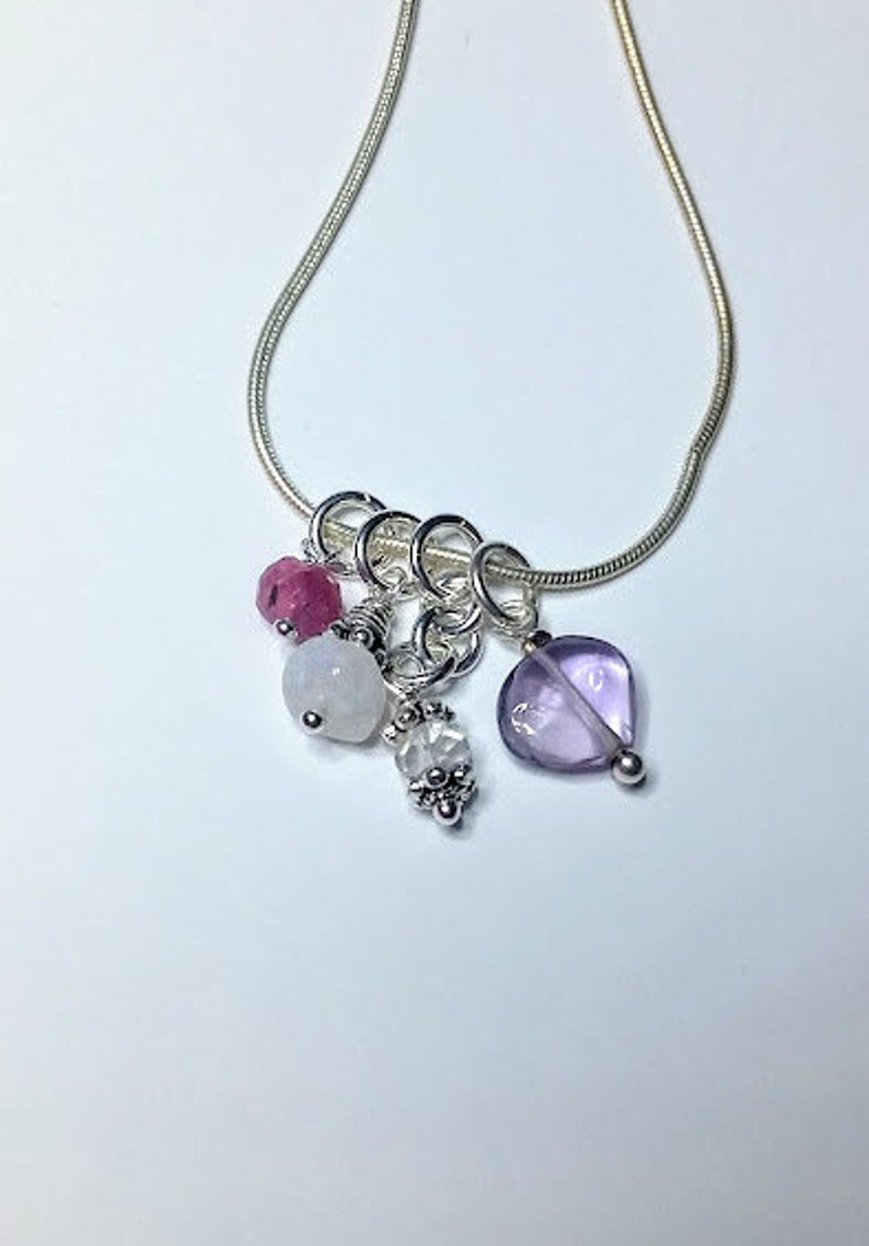 9fd3a4037cb1 Alivio de la menopausia piedras preciosas y plata collar de