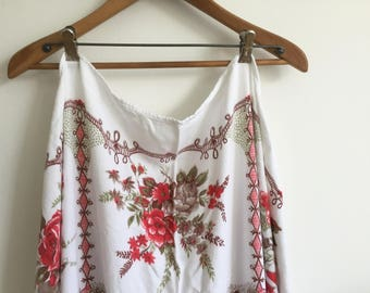 Vintage Floral Linen Table Cloth 1950s / Square Table Cloth Rose Bouquest / Red and Brown / Boho Shabby Chic Kitchen / Table Cloth / Picnic