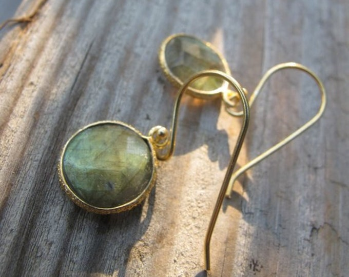 Round Labradorite Dangle Earring Silver Drop Circle Earring Simple Labradorite Blue Green 925 Sterling Silver Boho minimalist LABRADORITE