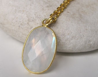 Faceted Oval Moonstone Necklace- Rainbow Moonstone Layering Necklace- Rainbow Gemstone Gold Necklace- Unique June Birthstone Necklace