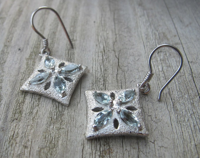 Aquamarine Star Dangle Earring- Sterling Silver Celestial Earring- Blue Dangle Drop Earring- March Birthstone Earring- Classic Aqua Earring