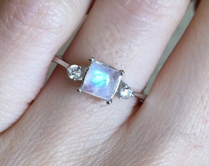 Square Moonstone Promise Ring for Her- Rainbow Moonstone Dainty Three Stone Ring- Princess Moonstone Anniversary Ring- June Birthsone Ring