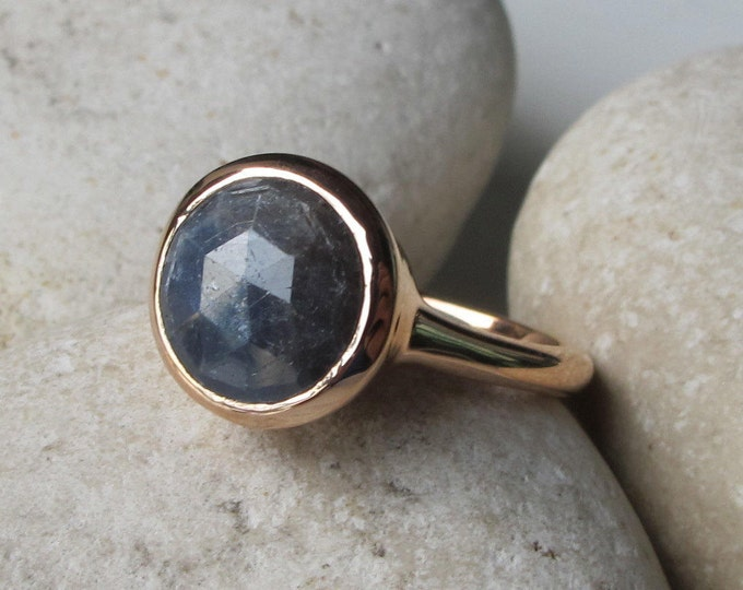 Simple Raw Sapphire Engagement Ring- Blue Sapphire Round Promise Ring- Blue Faceted Rough Stone Anniversary Ring- Rose Gold September Ring