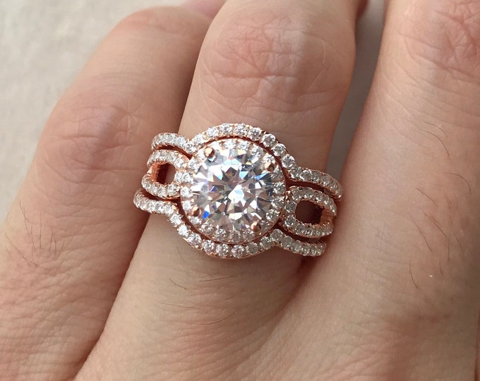 Engagement Ring Set- Rose Gold Bridal Ring Set- Halo Round Wedding Ring Set- Matching Band Engagement Ring- Rose Gold Ring Set