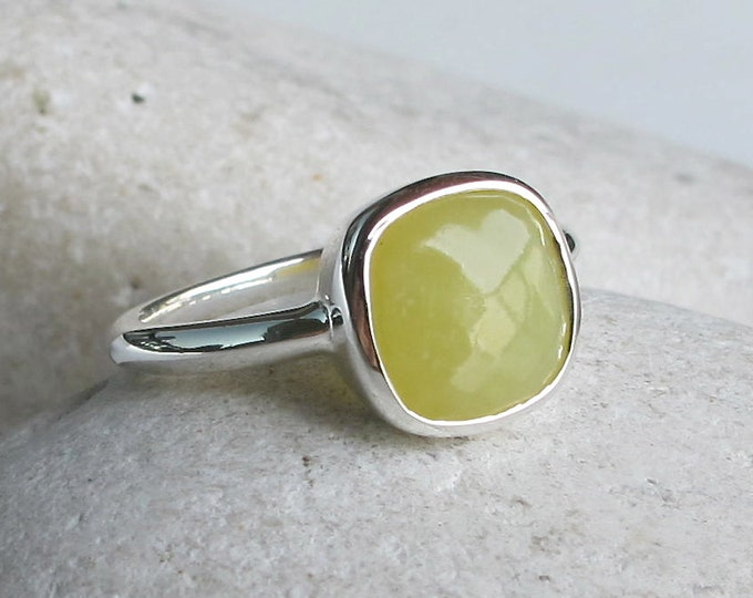 Yellow Gemstone Stacking Ring- Square Shape Ring- Simple Yellow Stone Ring- Classic Bezel Faceted Ring- Jewelry Gifts for Her