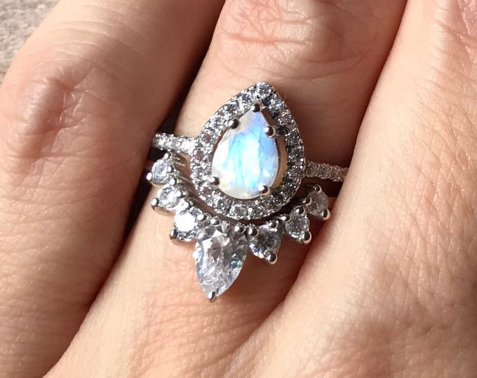 Rainbow Moonstone Engagement Ring- Rose Gold Wedding Ring- Moonstone Promise Halo Ring- June Birthstone Ring- Solitaire Gemstone Ring