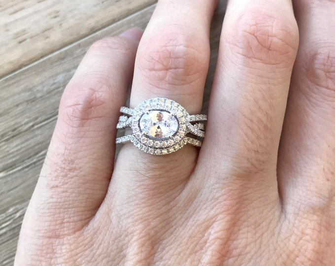 Unique Wedding Set- Classic Bridal Set Ring- Engagement Twist Ring- Halo Oval Ring Set- Matching Band Engagement Ring