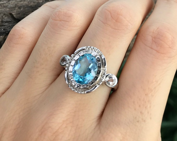 Genuine Swiss Blue Topaz Vintage Oval Ring- Deco Three Blue Stone Silver Anniversary Ring- Topaz Engagement Ring- Antique Texture Bezel Ring