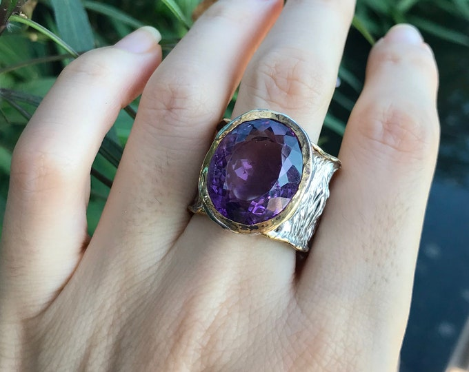 Large Oval Amethyst Statement Rustic Ring- Unique Organic Textured Solitaire Wide Band- Bulky Unisex Purple Gemstone Avant Garde Nature Ring
