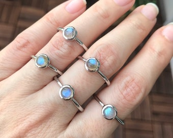 Labradorite Tiny Stackable Round Ring- Sterling Silver Simple Labradorite Ring- Smooth Iridescent Dainty Boho Ring- Small Girl Teen Ring