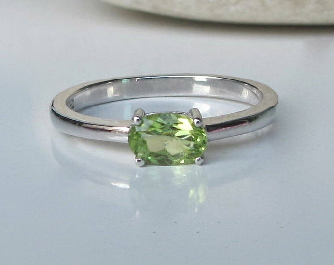 Peridot Dainty Oval Small Ring- Green Peridot Genuine Silver Ring- Minimal Simple August Birthstone Natural Silver Stack Peridot Ring