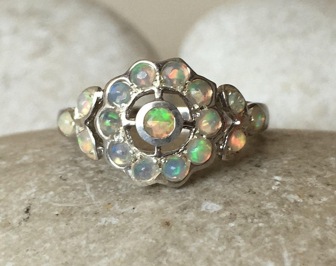 Opal Floral Cluster Vintage Ring- Welo Genuine Opal Deco Ring- Cabochon Ethiopian Opal Silver Ring- Dainty Unique Fire Opal Ring