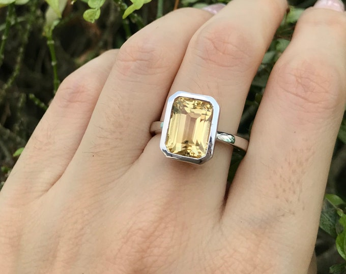 Lemon Quartz Rectangle Statement Ring- Yellow Minimalist Solitaire Ring- Yellow Quartz Bold Gemstone Ring- Sterling Silver Large Yellow Ring