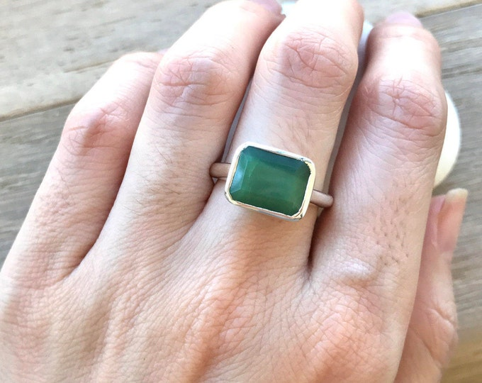 Green Gemstone Statement Ring- Simple Chrysoprase Ring- Solitaire Green Ring- Rectangle Shape Green Ring- Minimalist Sterling Silver Ring