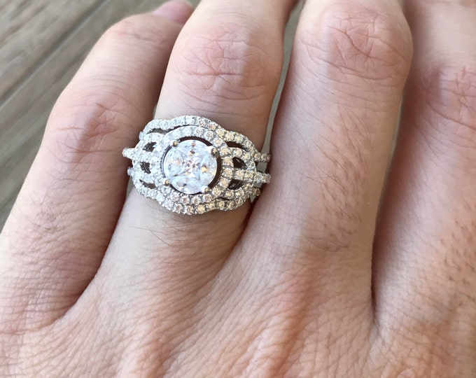 Art Deco Wedding Set - Unique Engagement Ring Set- Halo Round Wedding Set Ring- Matching Band Engagement Ring- Rose Gold Bridal Set Ring