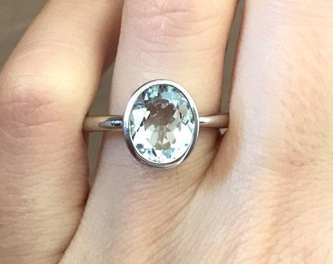 Oval Aquamarine Solitaire Ring- Simple Blue Promise Ring-Light Blue Anniversary Ring-March Birthstone Ring-Woman Minimalist Engagement Ring
