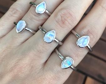 Teardrop Moonstone Silver Ring- Rainbow Moonstone Simple Stack Ring- Pear Faceted Moonstone Small Ring- Iridescent Bezel Minimalist Ring