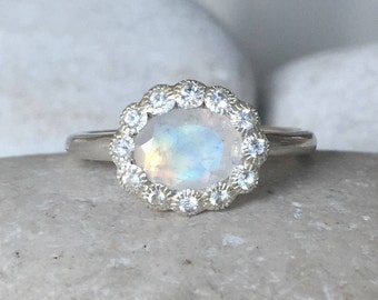 Moonstone Engagement Ring- Halo Promise Ring- Oval Anniversary Ring- June Birthstone Ring- Woman Engagement Ring- Moonstone Ring