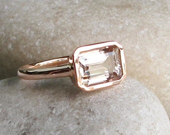 Rectangle Morganite Ring- Rose Gold Promise Ring- Emerald Morganite Engagement Ring- East West Morganite Ring- Classic Morganite Ring