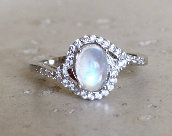 Oval Moonstone Promise Ring- Art Deco Halo Ring- Rainbow Moonstone Engagement Ring- Boho Moonstone Ring- June Solitaire Birthstone Ring