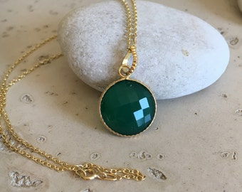 Round Green Onyx Necklace- Green Gemstone Gold Necklace- Classic Everyday Necklace- Faceted Bezel Stone Necklace- Sterling Silver Necklace