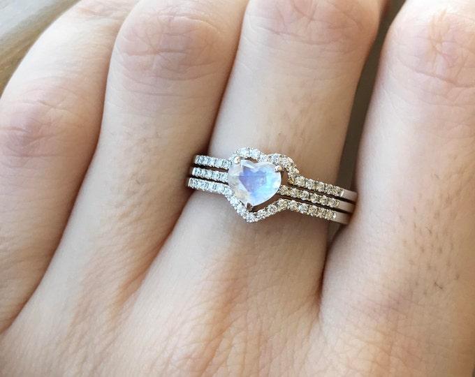 Heart Moonstone Bridal Set Ring- Rainbow Moonstone Engagement Ring- Woman's Promise Boho Ring- Rose Gold Moonstone Ring- Heart Shaped Ring