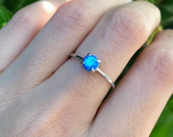 Blue Opal Boho Ring- Round Opal Bohemian Ring- Blue Rainbow Ring- Small Simple Blue Ring- Stackable Blue Ring- October Birthstone Ring
