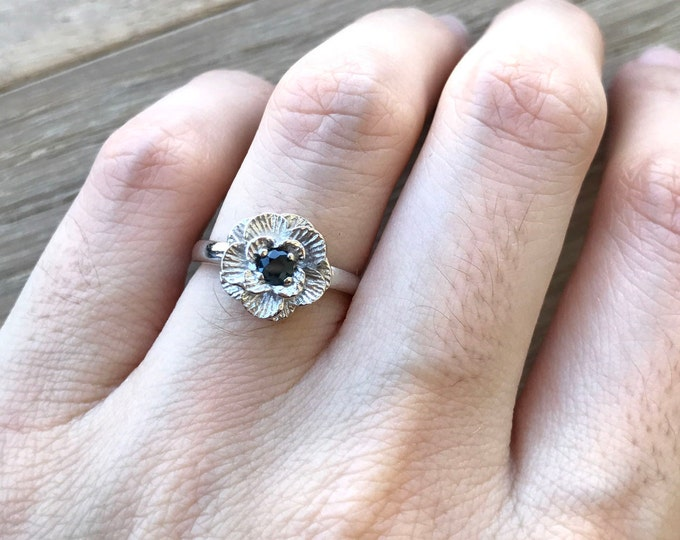 Flower Sapphire Promise Ring- Floral Sapphire Engagement Ring- Blue Sapphire Anniverary Ring- September Birthstone Ring-Delicate Dainty Ring