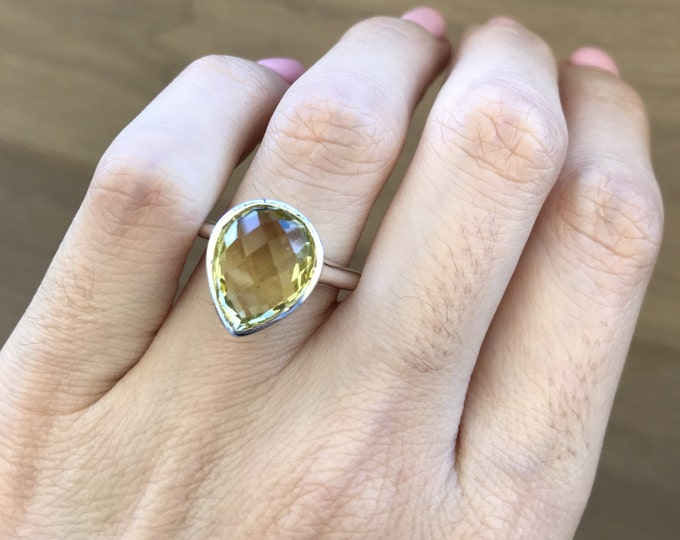 Pear Shape Promise Ring- Simple Gemstone Engagement Ring- Lemon Quartz Solitaire Ring- Yellow Gemstone Bezel Ring- Sterling Silver Ring